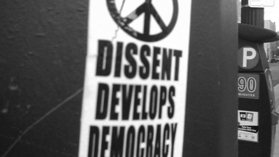 dissidence et democratie